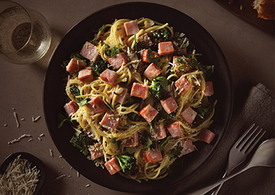Creamy broccoli and ham pasta